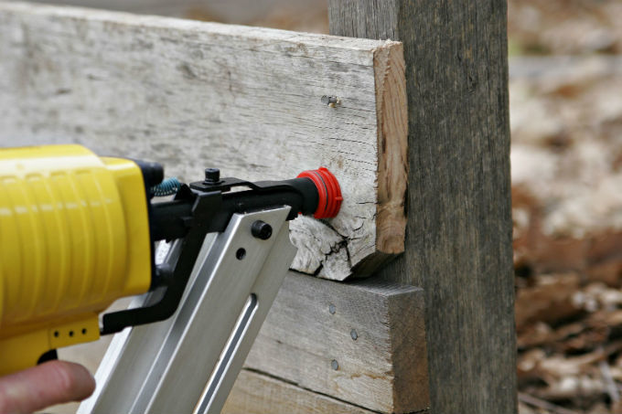 A Pneumatic Nail Gun Buying Guide Just For You